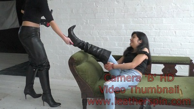 girl-in-leather-boots-overknee-leather-pants-8.jpg